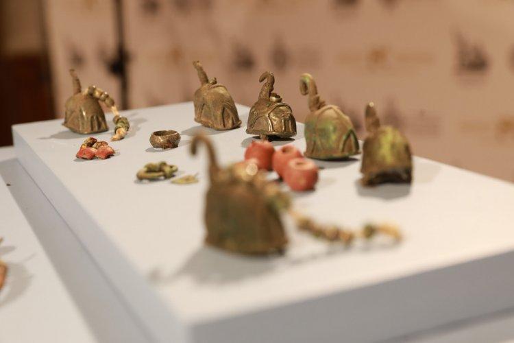 Привески - «уточки» и бусины, найденные на территории Суздальского Ополья