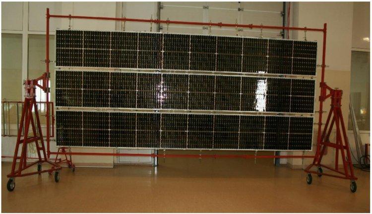 Космическая солнечная батарея (~ 10 м2) на основе каскадных фотопреобразователей c КПД 29%, изготовленных на оборудовании ПАО «Сатурн» по технологии, разработанной в ФТИ им. А.Ф. Иоффе